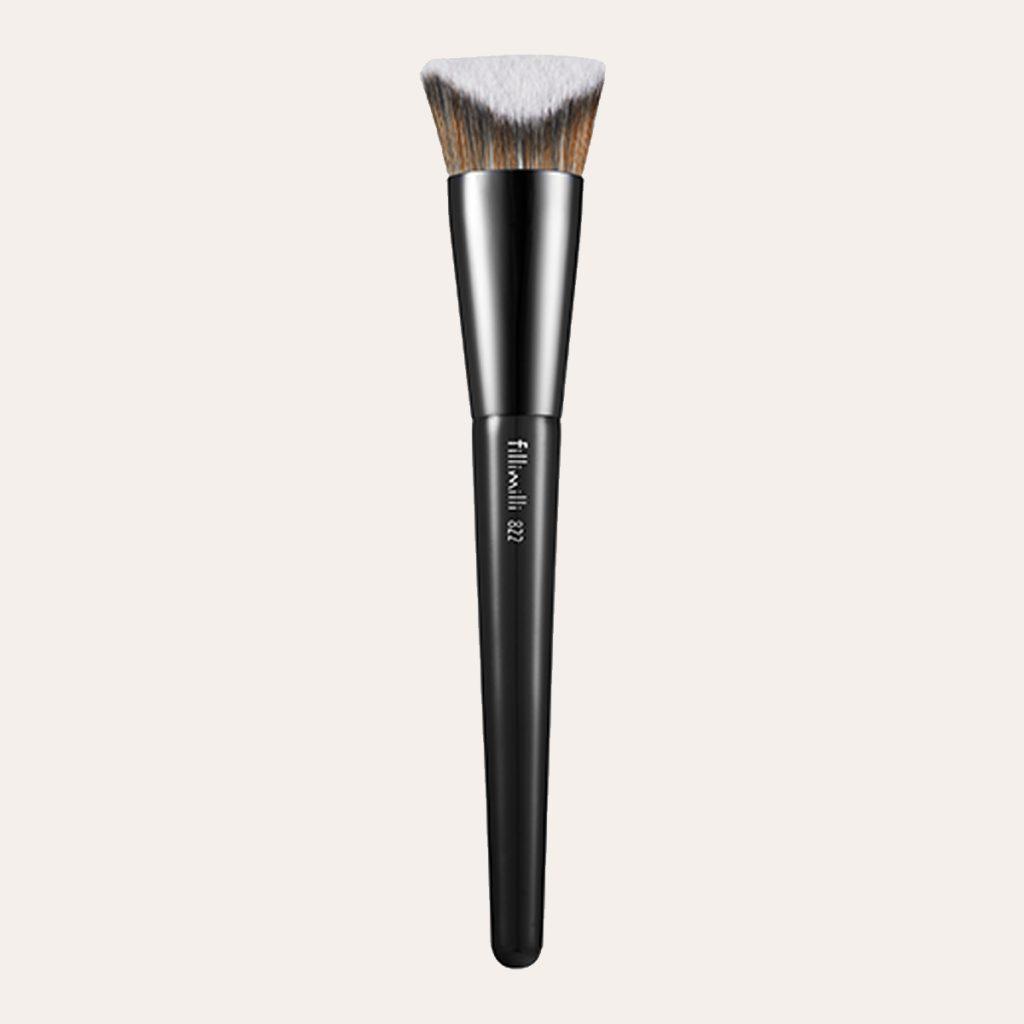 best K-Beauty Products Fillimilli – V Cut Foundation Brush